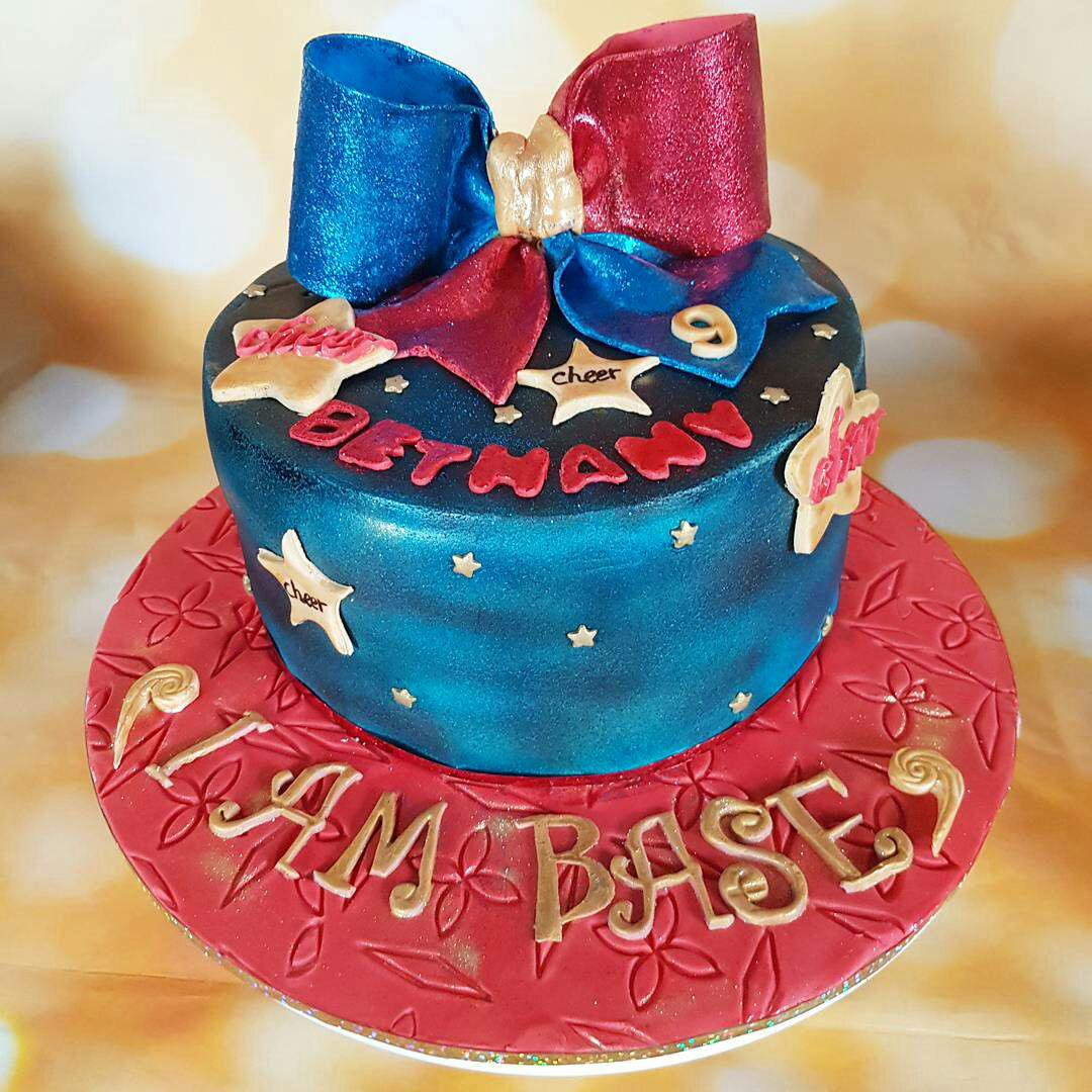 Brilliant Cheerleader Bow Cake Cakes By Mehwish Funny Birthday Cards Online Fluifree Goldxyz