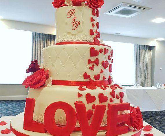 Love Wedding Cake