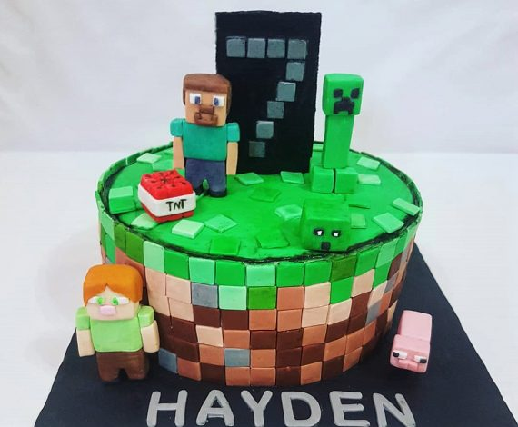 Minecraft Theme Cake